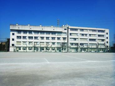 草加市立両新田中学校の画像1