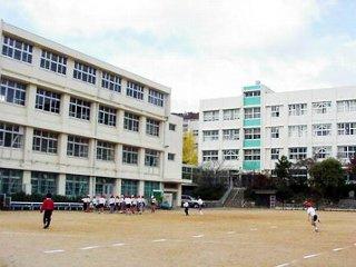 神戸市立 雲雀丘小学校の画像1