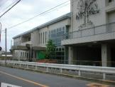 岸和田市立山直図書館