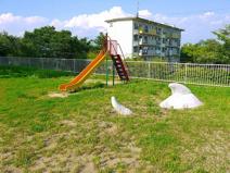 UR都市機構富雄団地児童公園