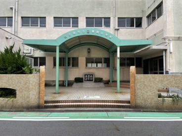 春岡小学校の画像1