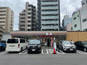 セブンイレブン 名古屋今池駅南店の画像1