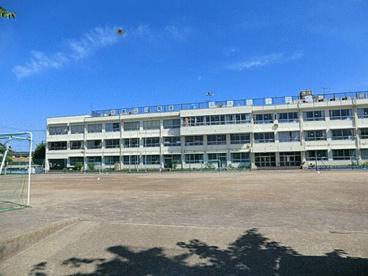 葛飾区立東水元小学校の画像1