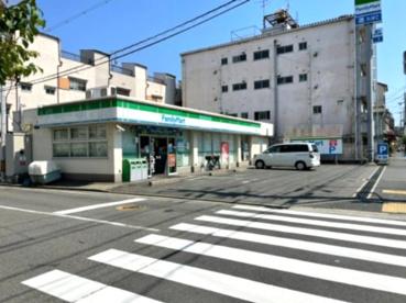 ファミリーマート 高井田柳通の画像1
