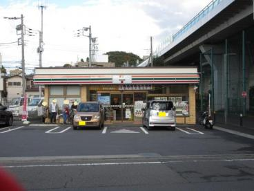 セブンイレブン 横浜東川島町店の画像1