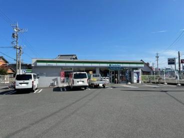 ファミリーマート 津栗真中山店の画像1