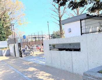 練馬区立石神井松の風文化公園の画像1
