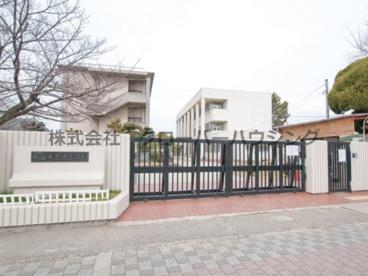 東忠岡小学校の画像1
