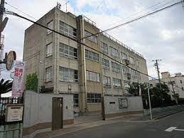 東大阪市立高井田中学校の画像1