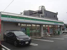 ファミリーマート 高井田西三丁目店の画像1