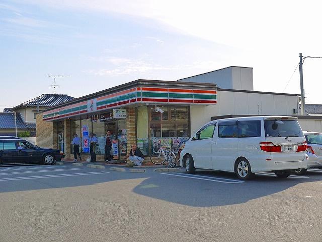 セブンイレブン 天理三島町北大路店の画像