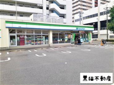 ファミリーマート 千早店の画像1