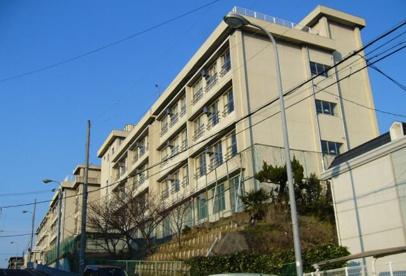 豊中市立第一中学校の画像1