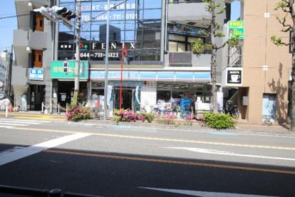 ローソン 武蔵中原駅北口店の画像1