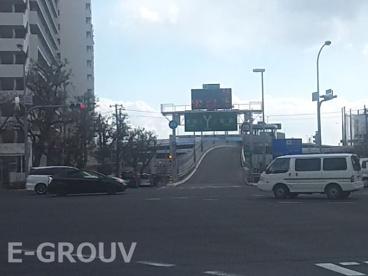 阪神高速「生田川インター」乗り口の画像1