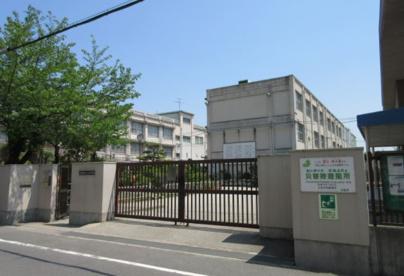 大阪市立十三中学校の画像1