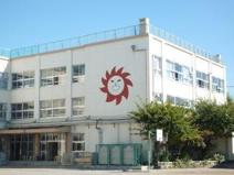足立区立伊興小学校