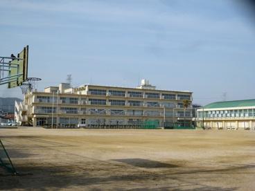 宝塚市立 安倉中学校の画像1