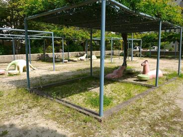 UR都市機構中登美団地B棟公園の画像1