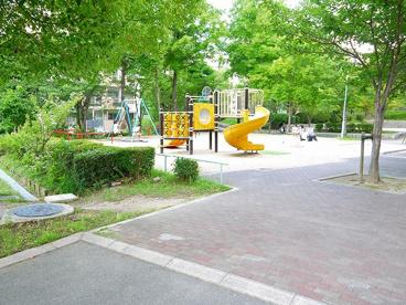 UR都市機構中登美団地D棟児童公園の画像2