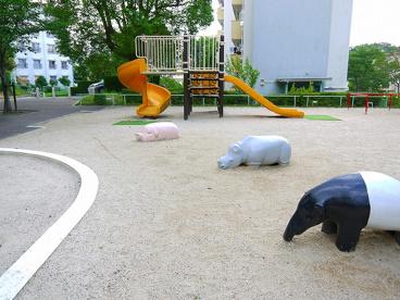 UR都市機構中登美団地D棟児童公園の画像3