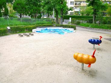 UR都市機構中登美団地E棟児童公園の画像3