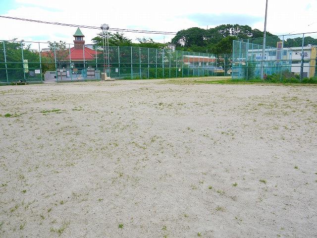 中登美中央運動公園広場の画像