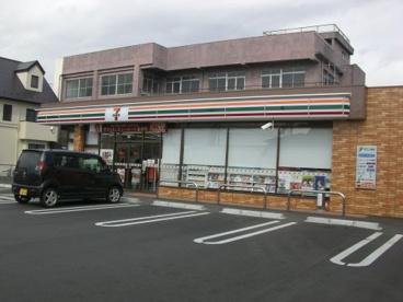 セブンイレブン 甲斐中下条店の画像1