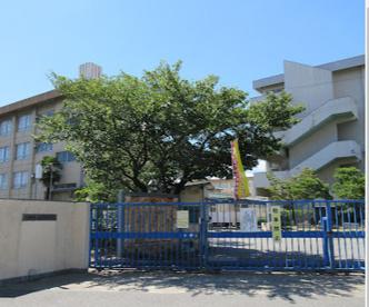 寝屋川市点野小学校の画像1