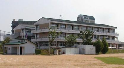 平成小学校の画像1