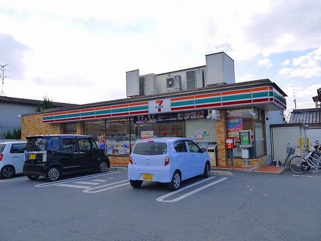セブンイレブン 天理杉本町店の画像