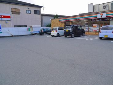 セブンイレブン 天理杉本町店の画像5