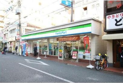 ファミリーマート 新丸子駅西口店の画像1