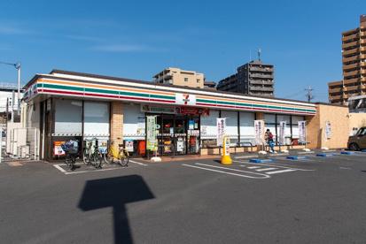 セブンイレブン 福生駅前東口店の画像1