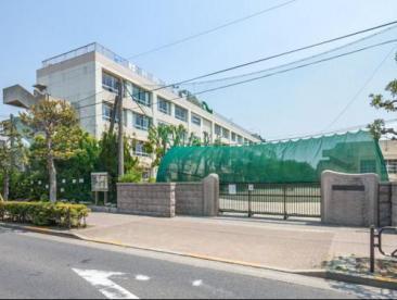 葛飾区立上平井中学校の画像1