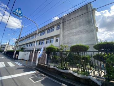 東大阪市立長瀬東小学校の画像1
