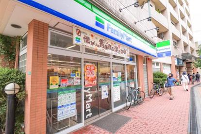ファミリーマート 練馬駅前店の画像1
