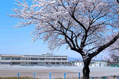 吉岡町立吉岡中学校の画像1