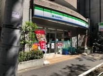 ファミリーマート 板橋駅桜通り店