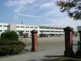 八王子市立由井第一小学校の画像1