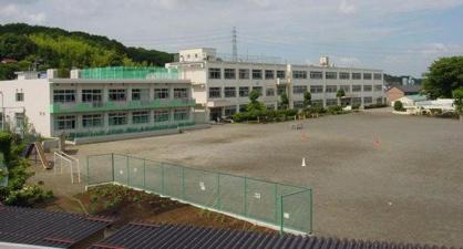 八王子市立由木東小学校の画像1