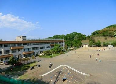 八王子市立中山小学校の画像1