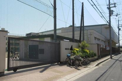 東大阪市花園中学校の画像1