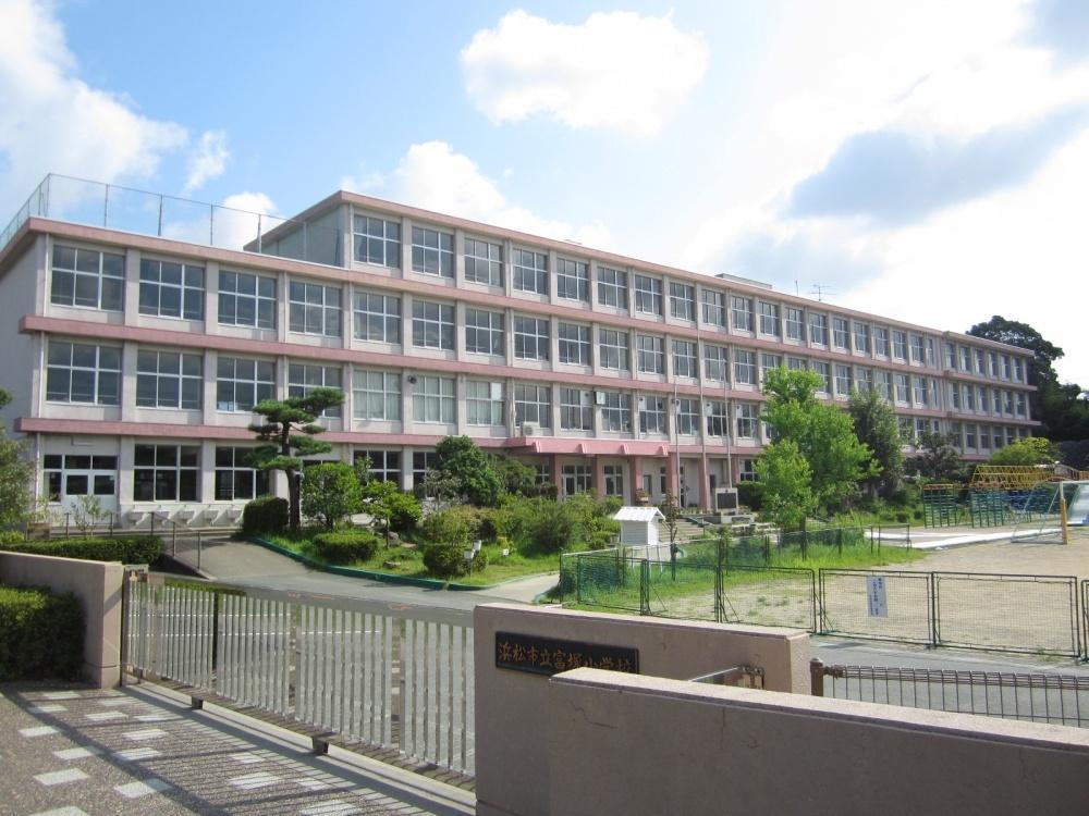 浜松市立富塚小学校の画像