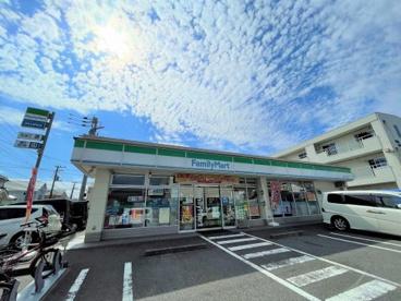 ファミリーマート 高松六丁目店の画像1