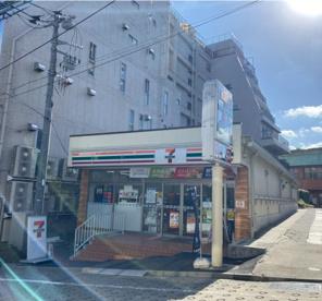 セブンイレブン 市谷左内町店の画像1