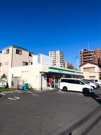 ファミリーマート 戸田本町一丁目店の画像1