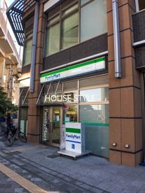 ファミリーマート 北戸田駅前店の画像1
