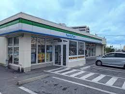 ファミリーマート 大名団地前店の画像1