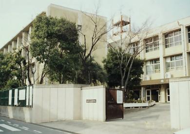 尼崎市立中学校 武庫東中学校の画像1